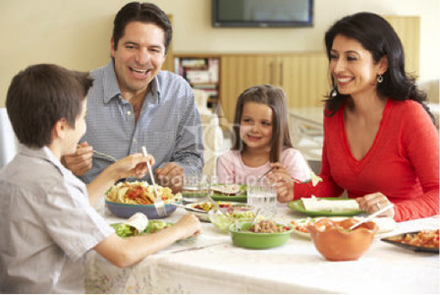 Should Electronics be Allowed at the Dinner Table?